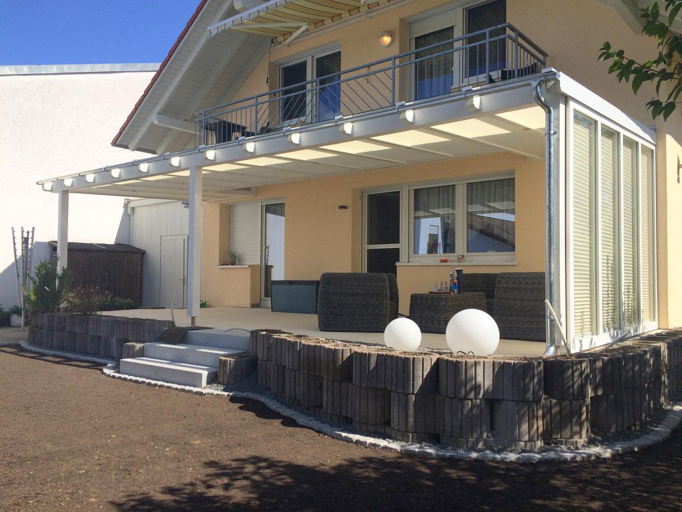 moderne terrassenueberdachungen aus holz terrassendach holz individuelle terrassend cher aus. Black Bedroom Furniture Sets. Home Design Ideas